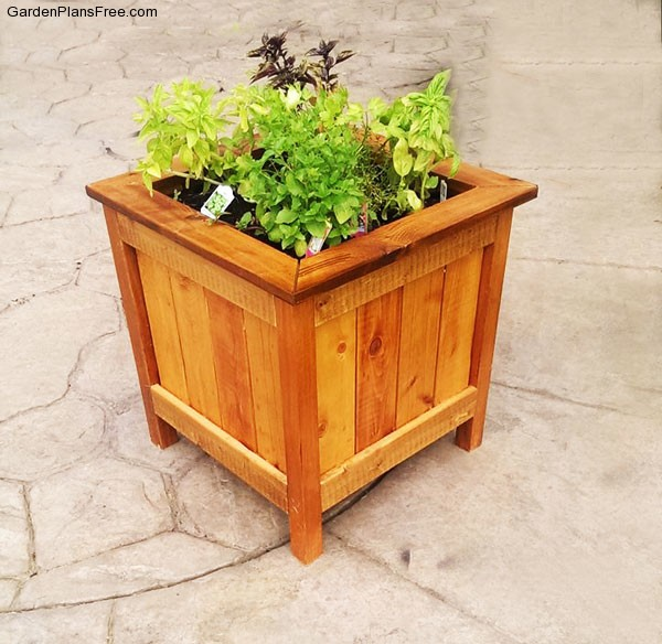 DIY Cedar Planter Box Free Garden Plans How to build garden